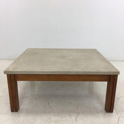 naudotas staliukas su akmeniniu stalviršiu