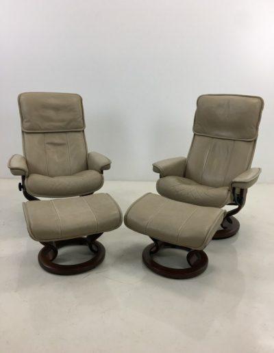 AA0111 foteliai-su-pufais (2)