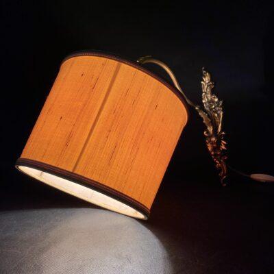 sieninis žalvarinis šviestuvas su gaubtu