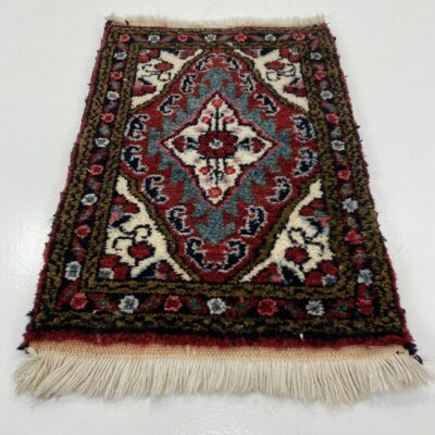 persiškas rankų darbo kilimėlis
