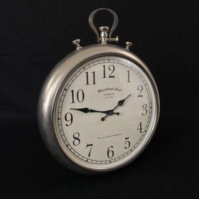 pakabinamas metalinis laikrodis