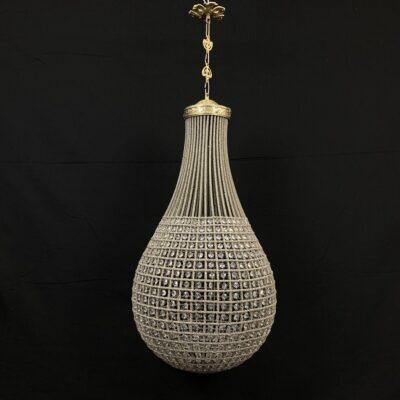 stiklinis lašo formos sietynas su žalvariniais tvirtinimo elementais