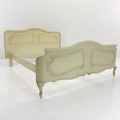 provanso stiliaus balta lova