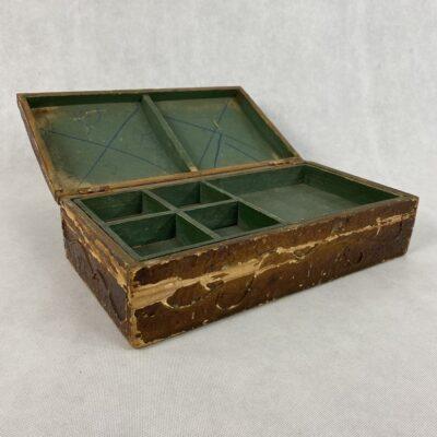 senovinė dėžutė