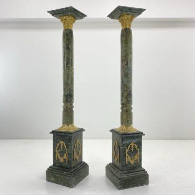 ampyro stiliaus marmuro kolonos su žalvariu