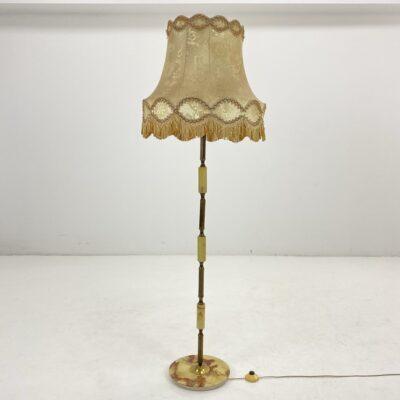 Pastatomas toršeras onikso stovu ir žalvario bei onikso stovu, gelsvu gaubtu su kutais