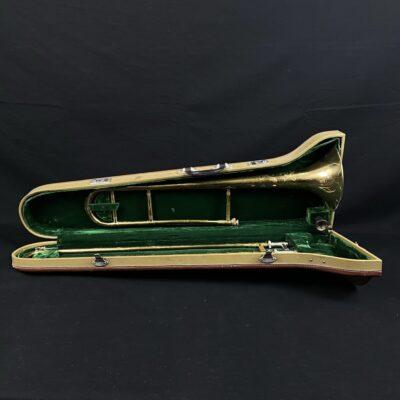 Naudotas trombonas su dėklu