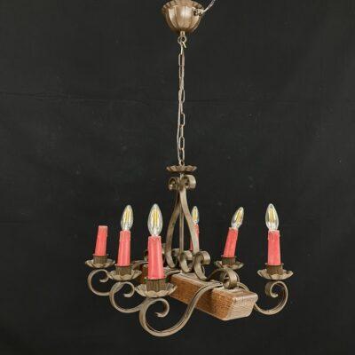 Šešių lempų medžio ir metalo kalvio darbo sietynas