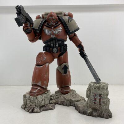 """Kompiuterinio žaidimo """"Dawn Of War"""" veikėjo skulptūra"""