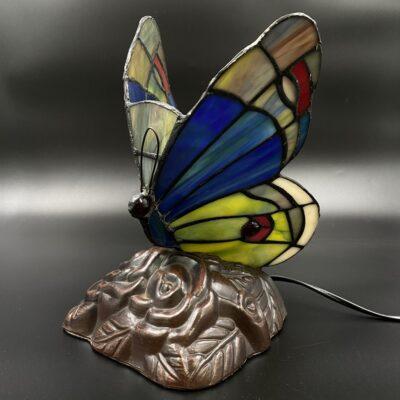 Stalinis drugelio formos tiffany šviestuvas