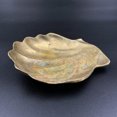 Žalvarinė kriauklės formos muilinė