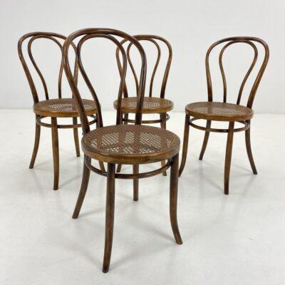 """""""Thonet"""" stiliaus kėdės sėdimąja ratano dalimi"""