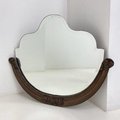 Art deco stiliaus veidrodis ąžuoliniu drožinėtu rėmu