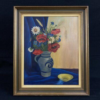 Aliejiniais dažais ant drobės tapytas natiurmortas su melsvoje vazoje pamerkta įvairiaspalvių gėlių puokšte