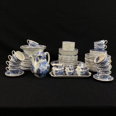"""Porcelianinis pietų servizas """"Wedgwood. Royal Homes Of Britain"""" dekoruotas mėlynais piešiniais"""