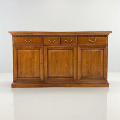 Medinė dviejų skyrių ir trijų durelių komoda su lentynomis ir keturiais stalčiais
