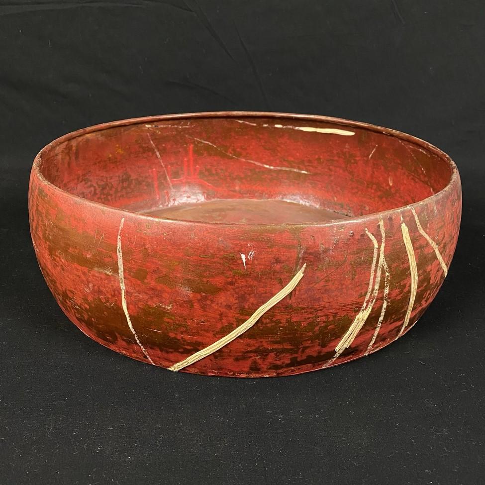 Raudonas metalinis dubuo